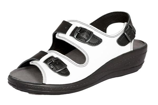 musta_valkoinen_sandaali